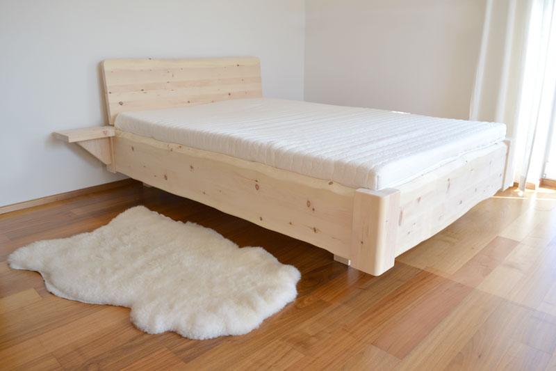 """Massivholz-Bett - Modell """"Mondseewolke"""" in Zirbe"""