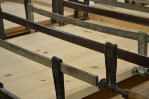 Zirbenholz Schreinerei Holz Sigi Produktion Bearbeitung Teil Fertigstellung