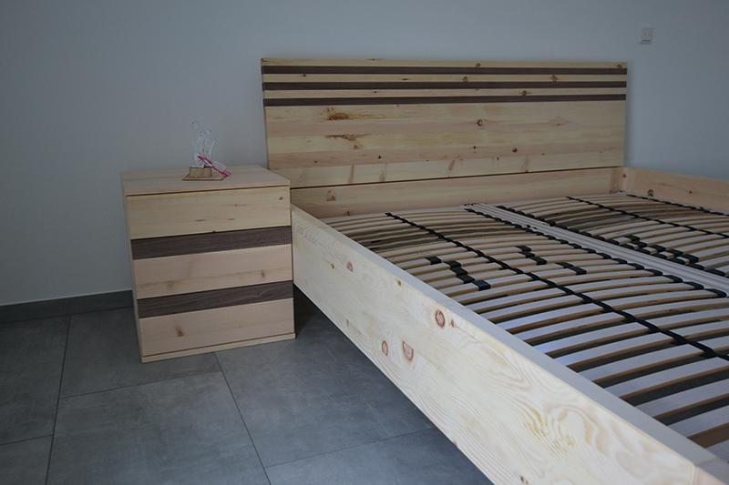 """Zirbenholzbett und Nachttisch Modell """"Trend"""